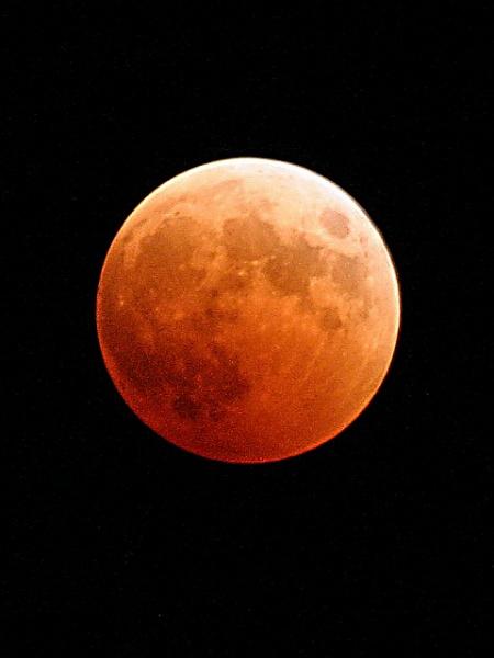 Klicken Sie auf die Grafik für eine größere Ansicht  Name:Orange_Moon.jpg Hits:284 Größe:66,9 KB ID:16885