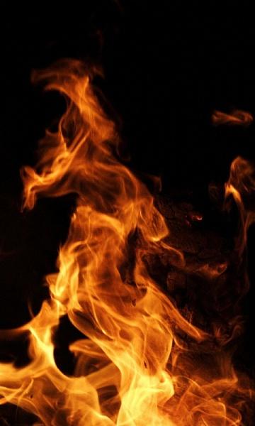 Klicken Sie auf die Grafik für eine größere Ansicht  Name:Feuer Bilder [A4P] (7).jpg Hits:243 Größe:97,3 KB ID:31899
