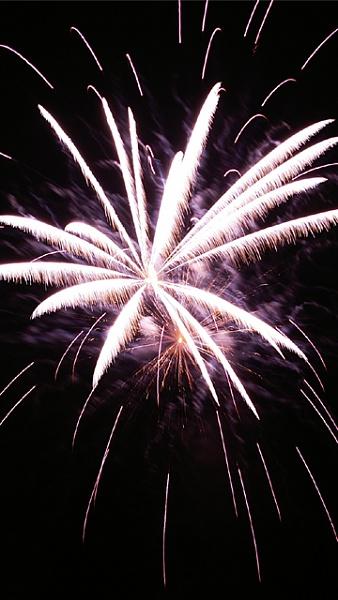 Klicken Sie auf die Grafik für eine größere Ansicht  Name:Feuerwerk_5.jpg Hits:502 Größe:198,4 KB ID:33831
