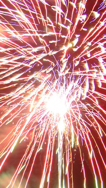 Klicken Sie auf die Grafik für eine größere Ansicht  Name:Feuerwerk_6.jpg Hits:371 Größe:343,0 KB ID:33832