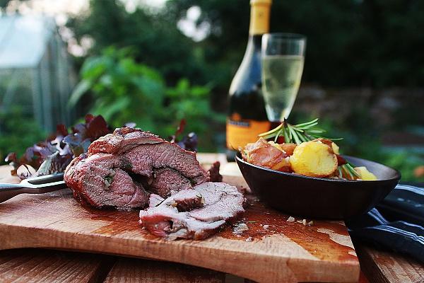 Klicken Sie auf die Grafik für eine größere Ansicht  Name:sommer-barbecue-grillmeister-smartphone-apps-lamb-champagne.jpg Hits:284 Größe:1,47 MB ID:51575