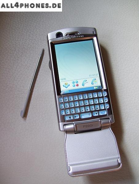 Klicken Sie auf die Grafik für eine größere Ansicht  Name:Sony Ericsson P990i Vorderansicht aufgeklappt mit Stift.jpg Hits:356 Größe:651,2 KB ID:9307