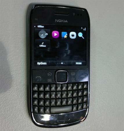 Nokia E6: Neue Bilder des Business-Smartphone