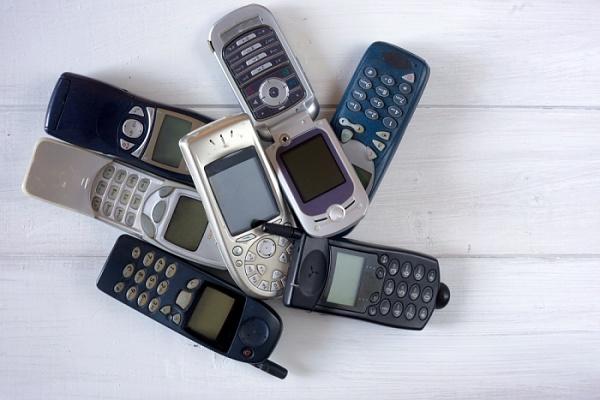 Das alte Handy verkaufen oder entsorgen?