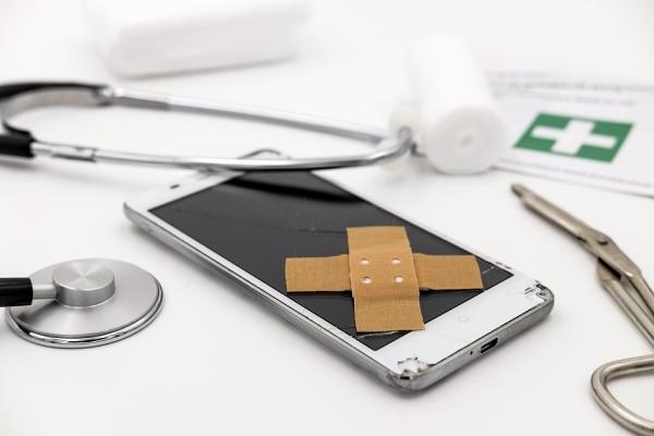 Smartphone kaputt, was nun? - Erste Hilfe im Schadensfall