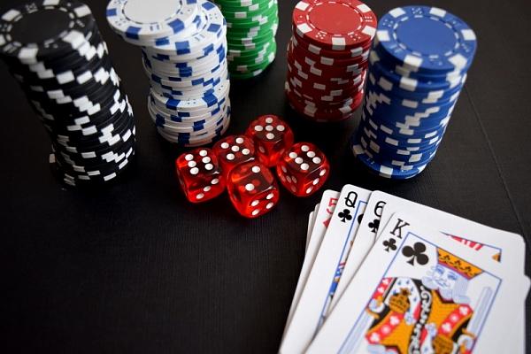 Smartphone und Glücksspiel - das sollte man beachten